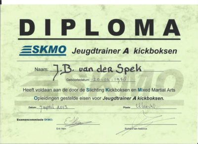 "Kickboksen Jeugdtrainer A"" bij de SKMO"
